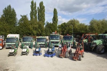 Garten und landschaftsbau maschinen  von Deyn und Heitmann GmbH - Gestaltung und Pflege von Gartenanlagen